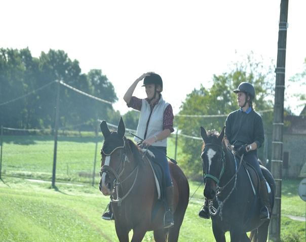 horse-riding-dordogne